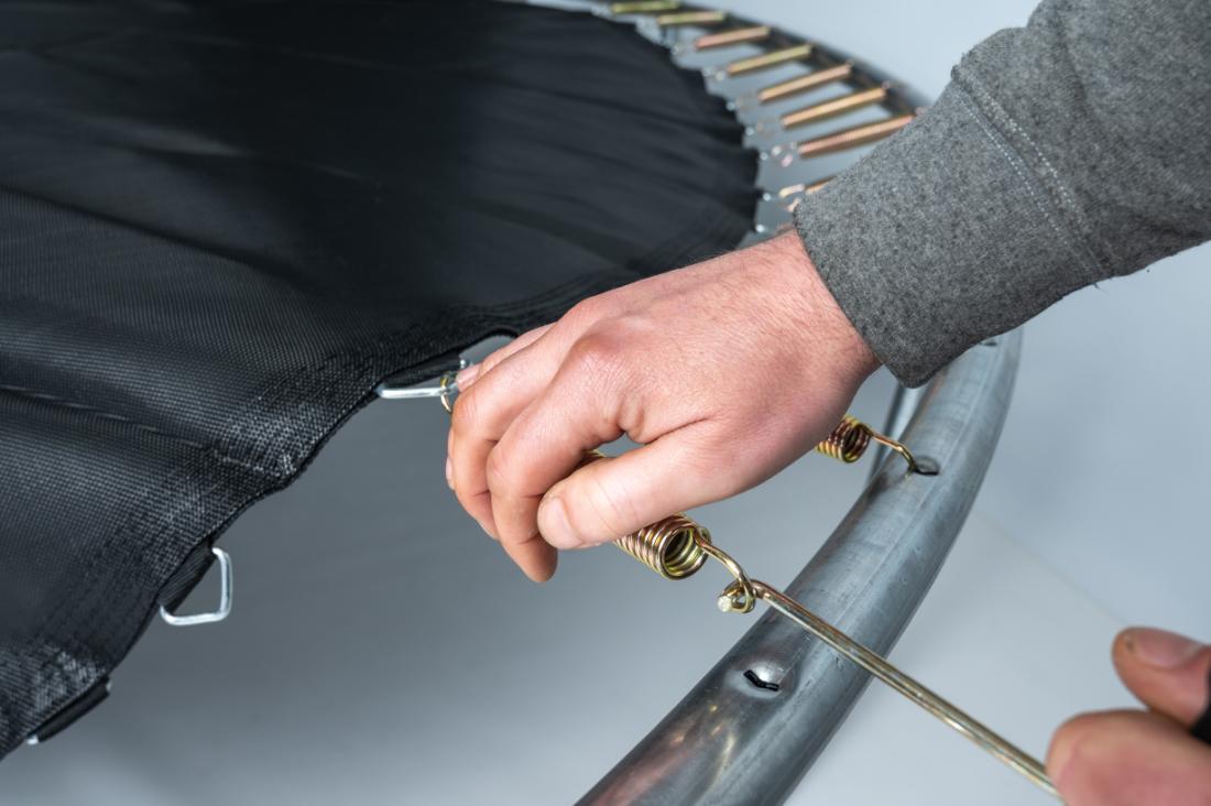 attaching-springs-using-spring-tool